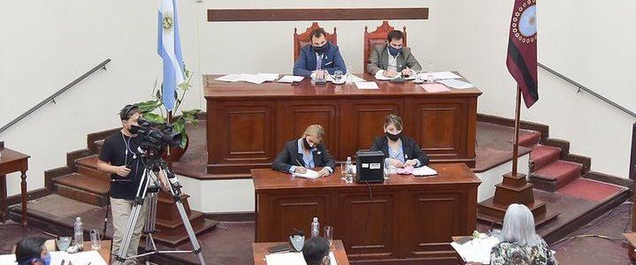 Aprobaron multas a funcionarios que no contesten informes