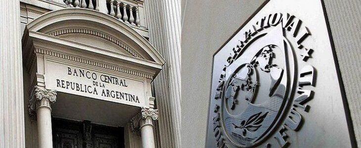 El FMI recomienda mantener el valor del dólar y los controles de cambios